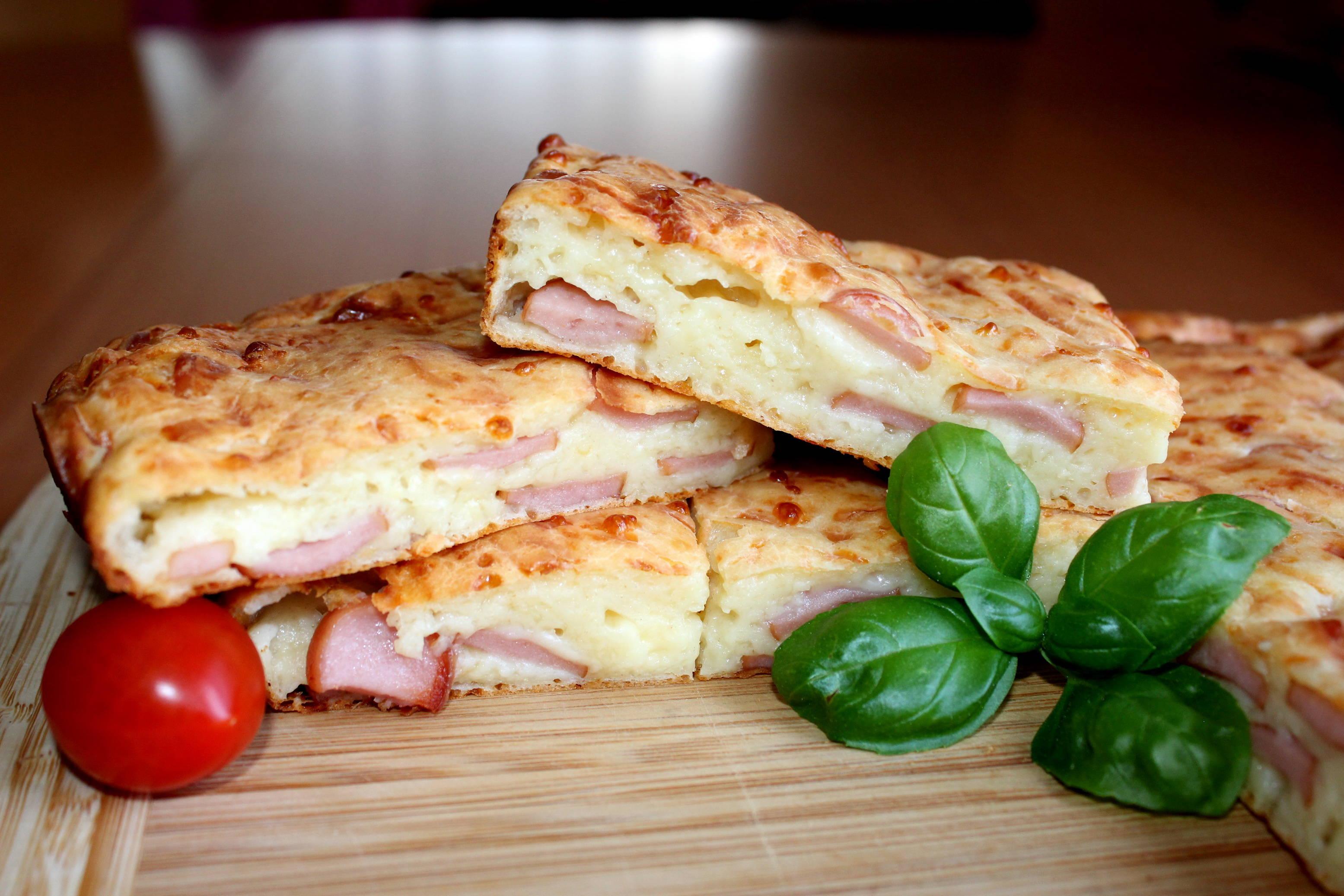 Virslis-sajtos lepény recept főfotó