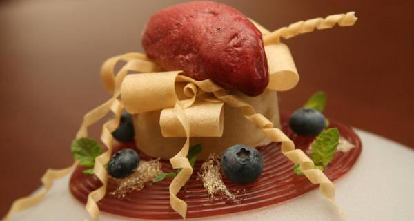 Molekuláris almafelfújt áfonya spagettivel főfotó