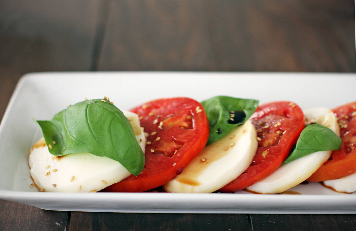 Caprese saláta recept főfotó