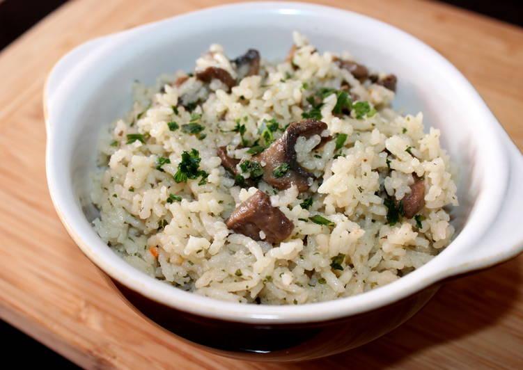 Gombás-hagymás rizs