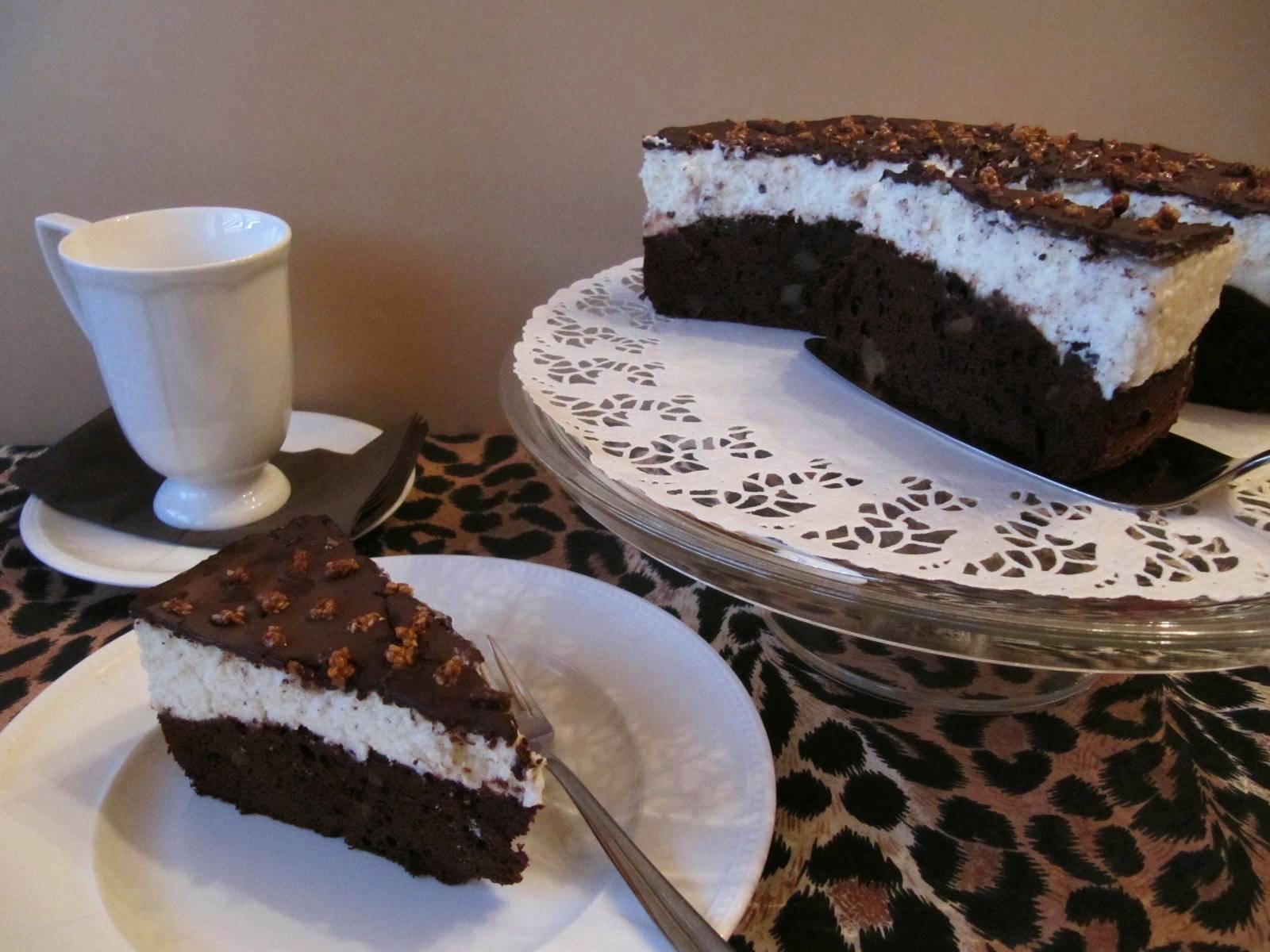 Krokant pöttyös csokitorta túrókrémmel recept főfotó