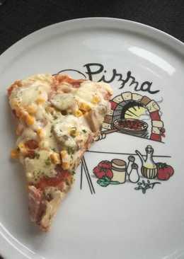 Vastag tésztás házi pizza