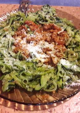 Cukkini spagetti (maradék bolognai raguval)