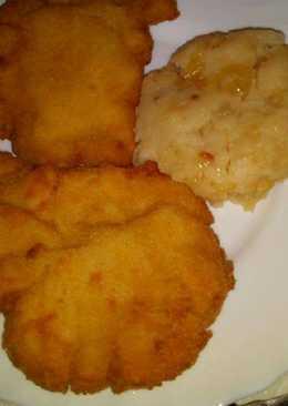 Hagymás tört krumpli, és rántott karaj