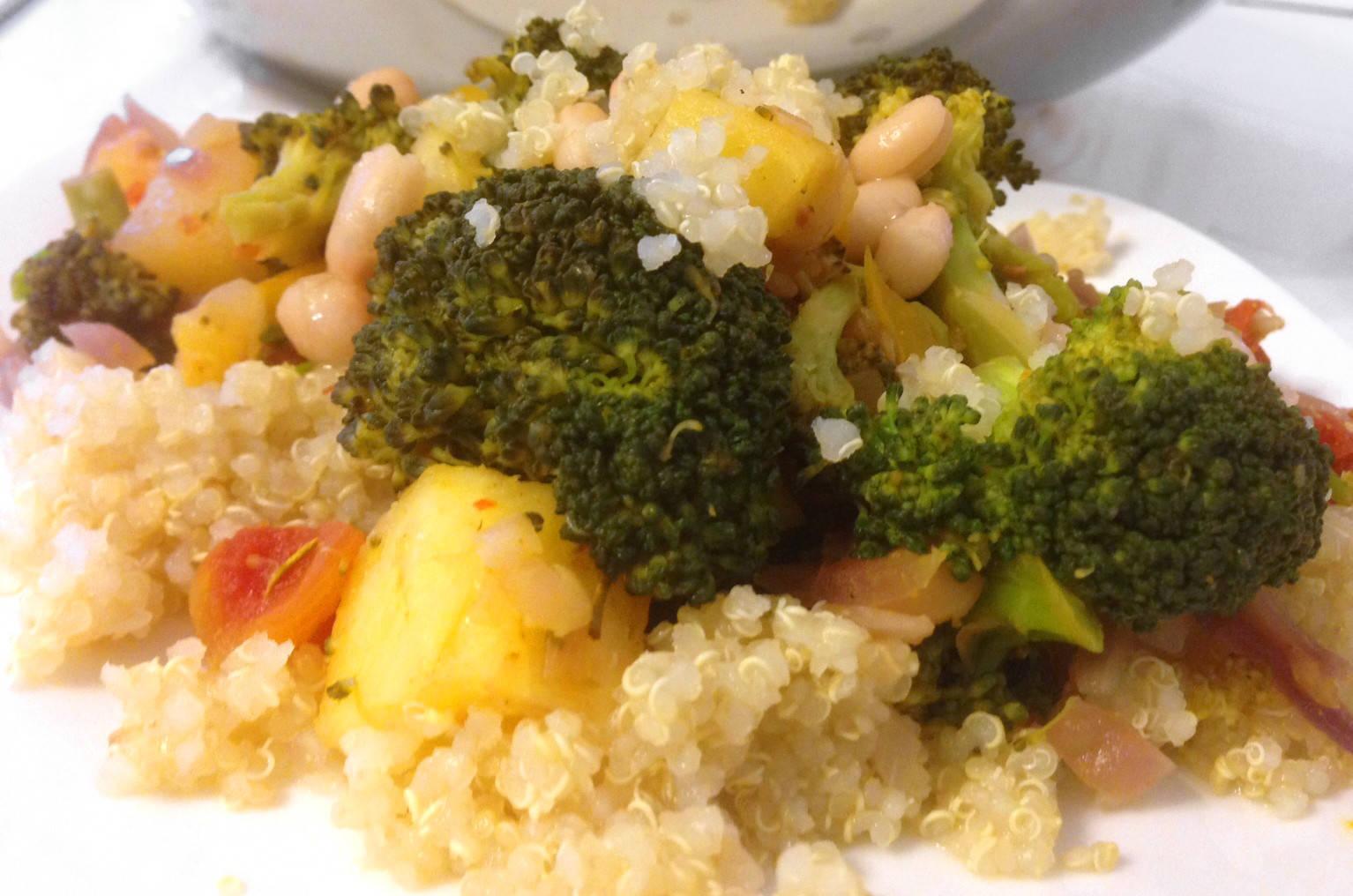 Ananászos brokkoli curryvel főfotó
