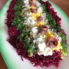 Cooksnap af Rødbedetatar med sardeller og kogt æggeblomme