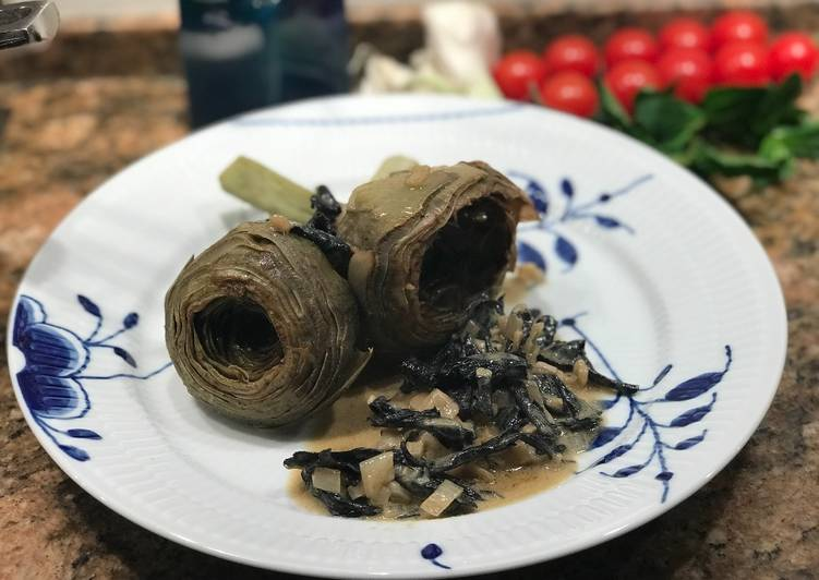 Kogte artiskokker med trompetsvampe