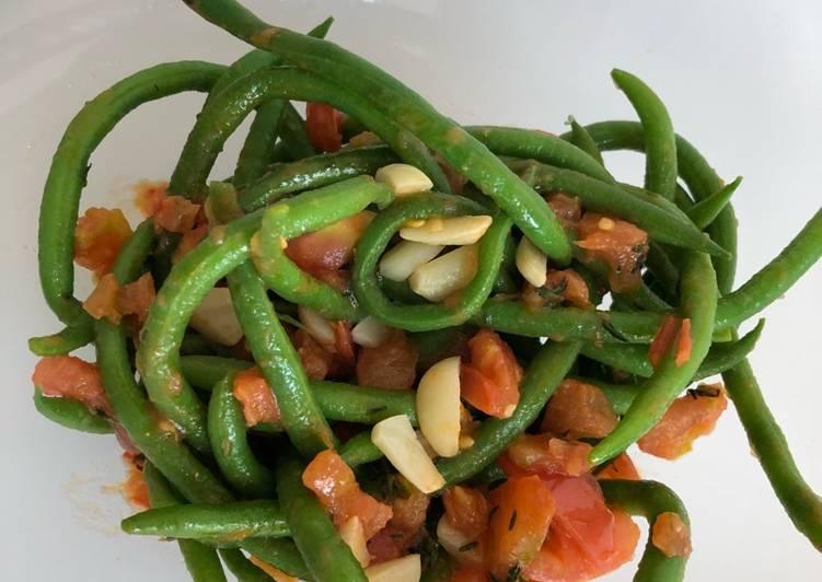 Grønne bønner med tomat og hvidløg