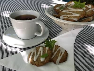 Glutenfrie valnøddesmåkager med frisk citronverbena - Rimmers Køkken