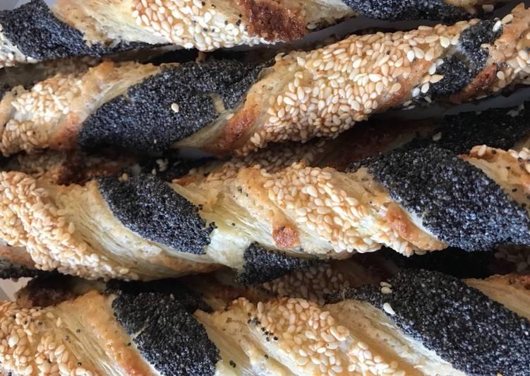 To slags frøsnappere af butterdej (den klassiske og én med kanel) - Rimmers Køkken