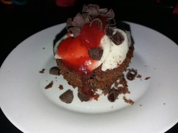 Orreo muffins med orreo crem og syltetøj