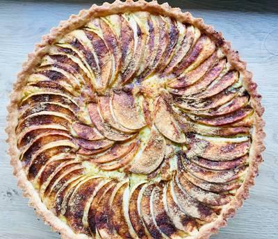 Æbletærte med marcipanremonce