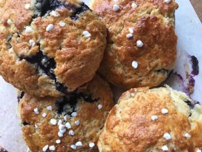 Blåbær og citronscones - Rimmers Køkken