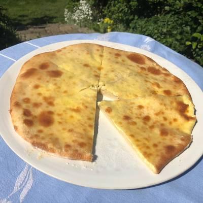 Khachapuri (Georgisk fladbrød med ost)