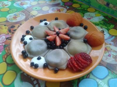 Pierogi z jagodami dla niejadka