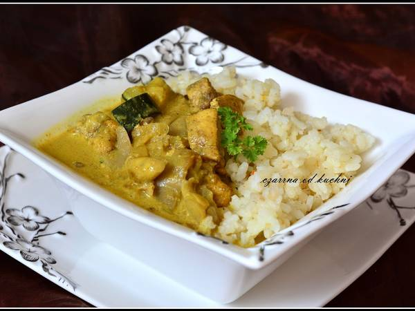 Curry z boczniakami