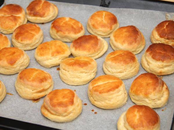 Leciutkie ciasteczka (pogácsa) ziemniaczane