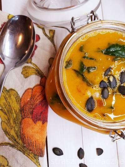 Zupa z dynią i kaszą jaglaną