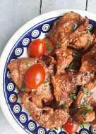Kotlety z szynki pieczone w pomidorach