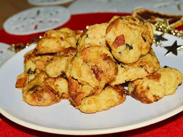 Imbirowe ciasteczka z suszonymi owocami