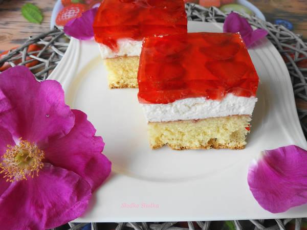 Ciasto z Truskawkami na Biszkopcie