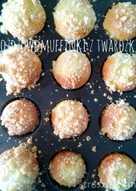 Drożdżowe muffinki z serem