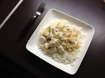 Kurczak w sosie śmietankowo-ananasowym
