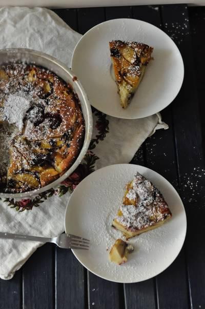 Clafoutis med persika och blåbär