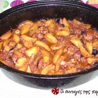 Χταπόδι στη γάστρα με πατάτες