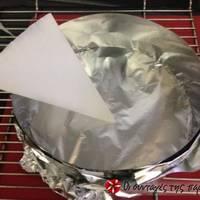 Πως βάζουμε λαδόκολλα σε στρογγυλή φόρμα