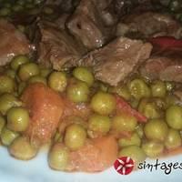Μοσχάρι ραγκού με αρακά