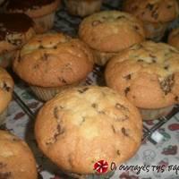 Πανεύκολα αφράτα muffins με σοκολάτα