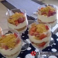 Triffle με oreo και φράουλες