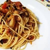 Tagliolini tricolori με σάλτσα τόνου