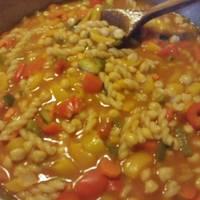 Ρεβύθια με λαχανικά και μακαρόνια !!! Σούπερ γεύση !!!