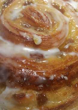 Στρούντελ σταφίδας με καρύδια, κανέλα και γλάσο λεμόνι