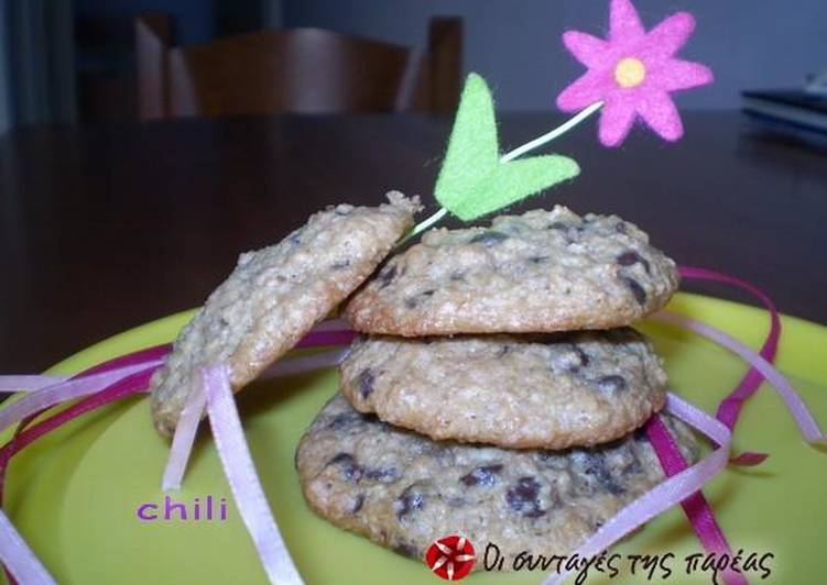 Μπισκότα με βρώμη και κομμάτια σοκολάτας