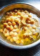 Ρεβύθια Σούπα Λεμονάτη στη χύτρα