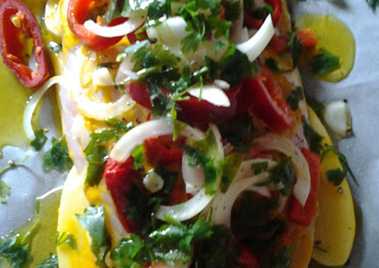 Ψάρι με λαχανικά στην λαδόκολλα