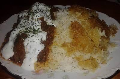 Σουτζουκάκια σμυρνέικα με ρύζι μπασμάτι
