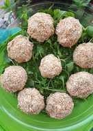 Μπαλάκια φέτας με ρίγανη και σουσάμι
