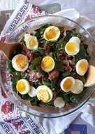 Σαλάτα με σπανάκι, αβοκάντο, αυγό και μήλο