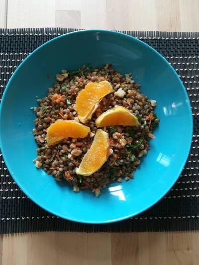 Σαλάτα με φακές και dressing με πορτοκάλι