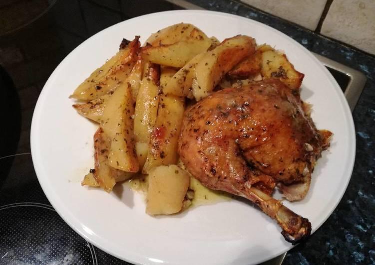 Κοτόπουλο στο φούρνο με πατάτες παραδοσιακά 🍗