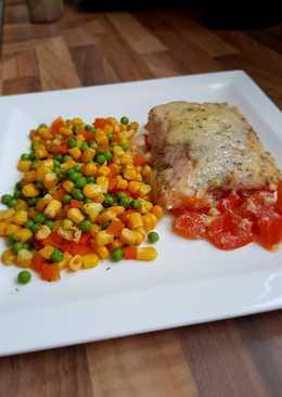 Ψαράκι νοστιμάκι με βραστά λαχανικά