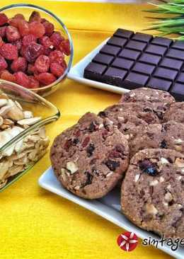 Μπισκότα Shortbread με κεράσια και αμύγδαλα