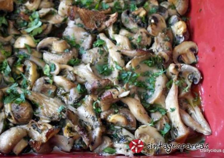 Μανιτάρια με μυρωδικά στον φούρνο