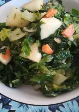Δροσερή σαλάτα σπανάκι, μαρούλι και τζίντζερ