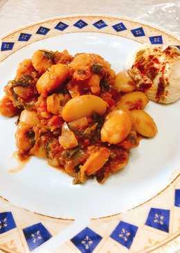 Φασόλια γίγαντες στο φούρνο με πατάτες-με συνοδεία χούμους