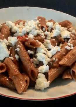 Πέννες με σάλτσα μελιτζάνας και φέτα